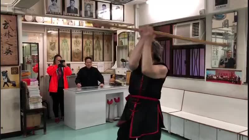 俄羅斯徒弟索博列夫學習棍花