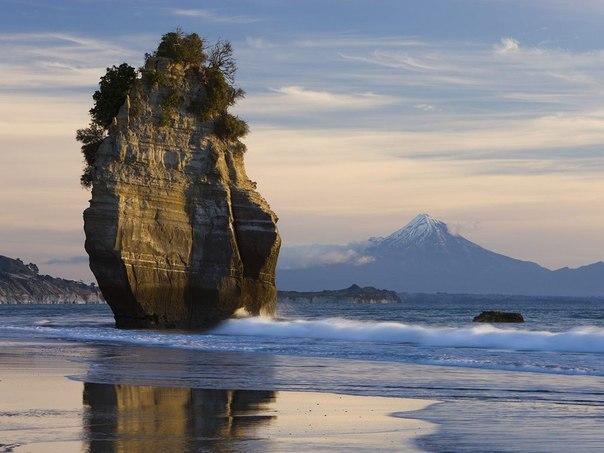 Потрясающе красивая скала на Аляске.