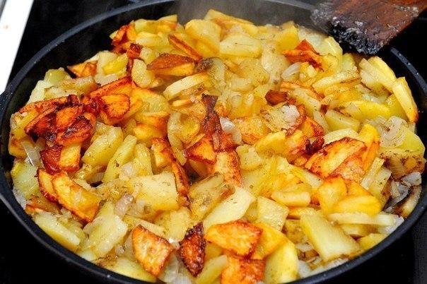 Жарим картошку правильно. С румяной корочкой