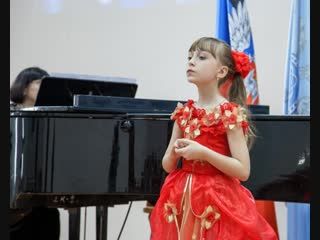 Комсомольчанка Карина Пономаренко стала лауреатом Международного конкурса «Музыкальная Республика приглашает друзей»