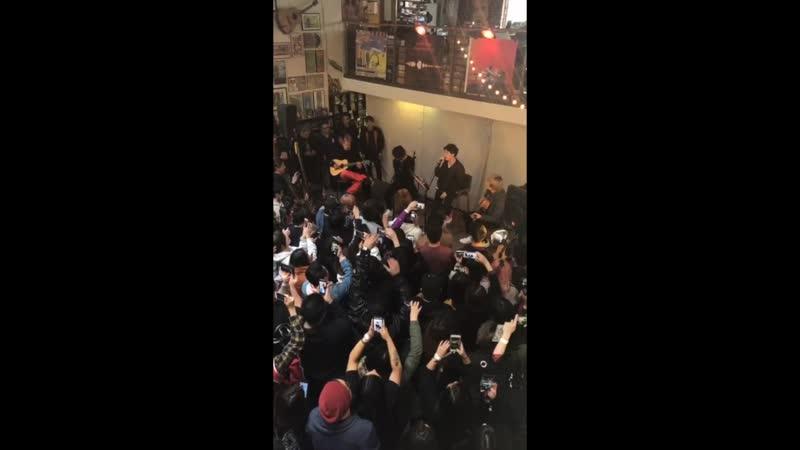 ONE OK ROCK acoustic perfomance in LA