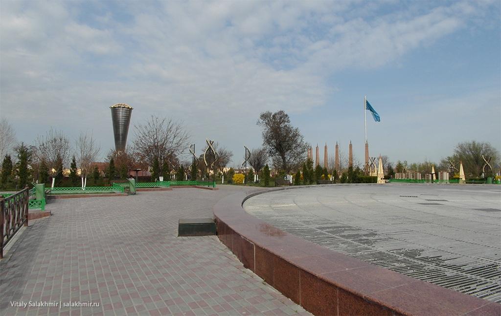 Фонтан в Парке Независимости, Шымкент 2019