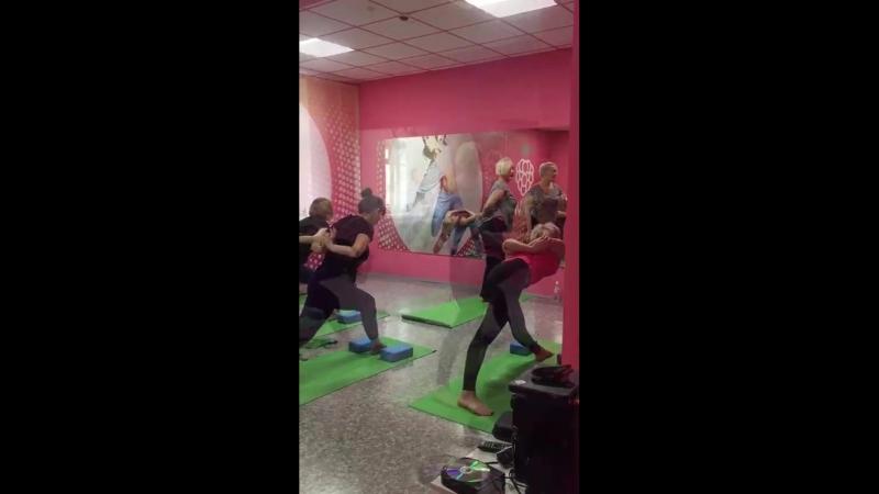 Хат-ха йога с Оксаной в фитнес-клубе МАЛИНА