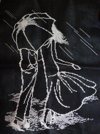 вышивки на черной канве.