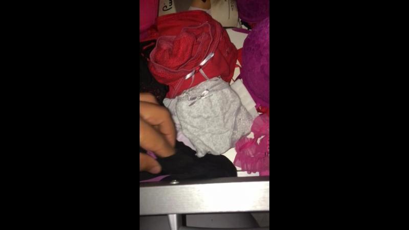 Kaşmer halamın iç çamaşırı çekmecesi )