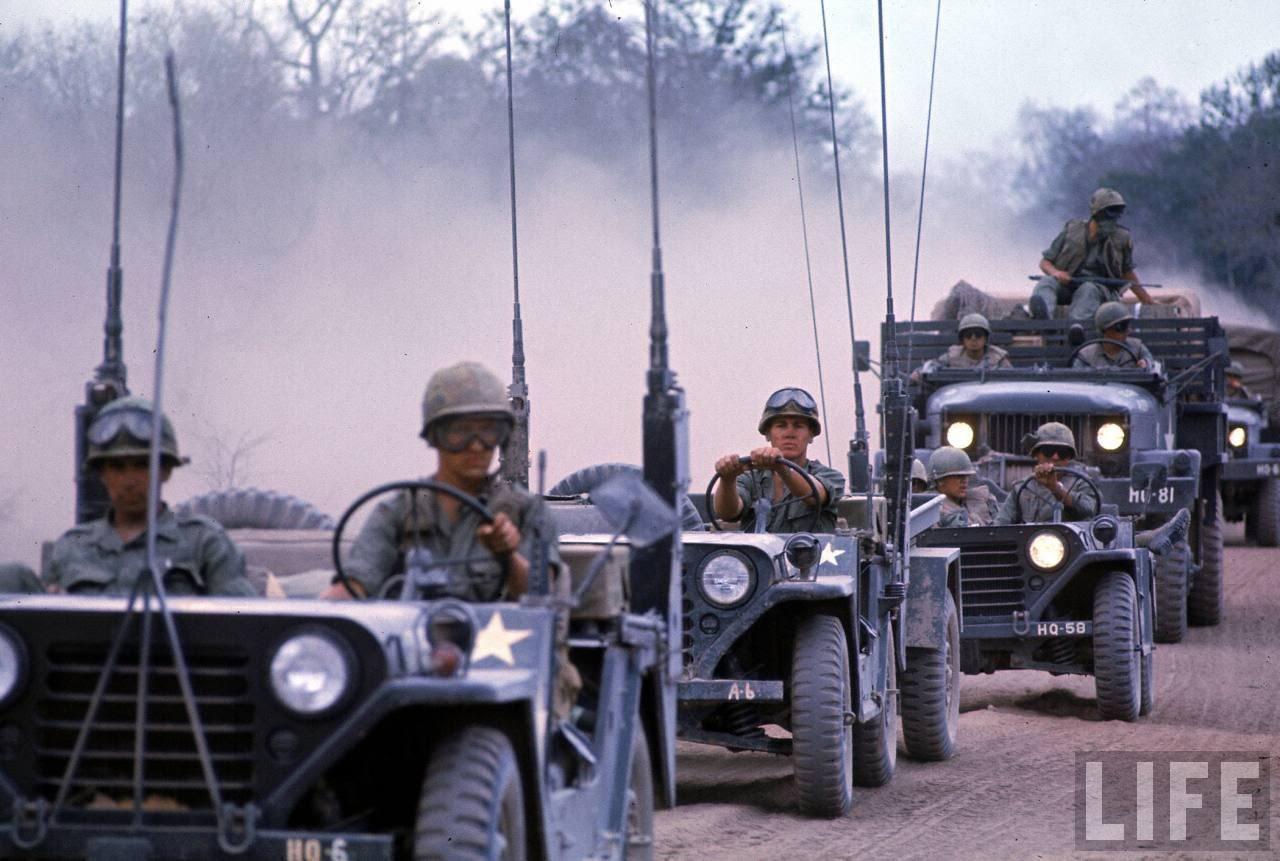 guerre du vietnam - Page 2 5u3Ka1dHkXY