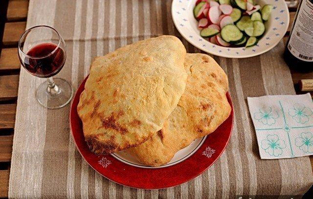 Воздушные сырные лепёшки Ингредиенты: Кефирное тесто для лепёшек: Кефир -