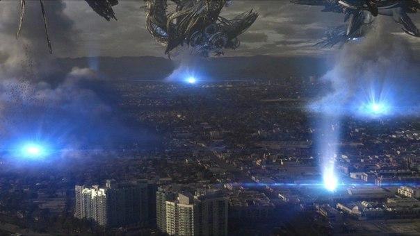 Подборка фильмов про инопланетные вторжения на Землю.