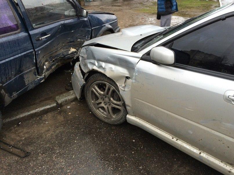 На Харьковщине автомобиль сгорел дотла прямо на трассе (ФОТО, ВИДЕО)