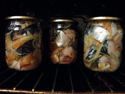 Скумбрия в томате консервированная в домашних условиях