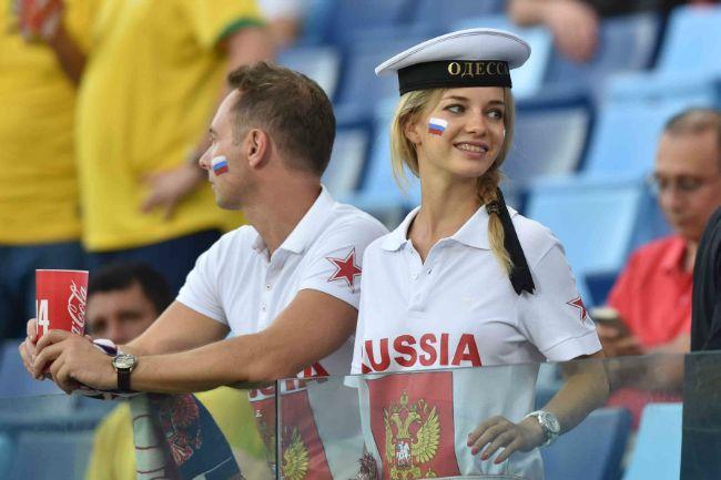 Очаровательные болельщицы ЧМ-2014 по футболу