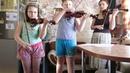 Семейное трио скрипачей