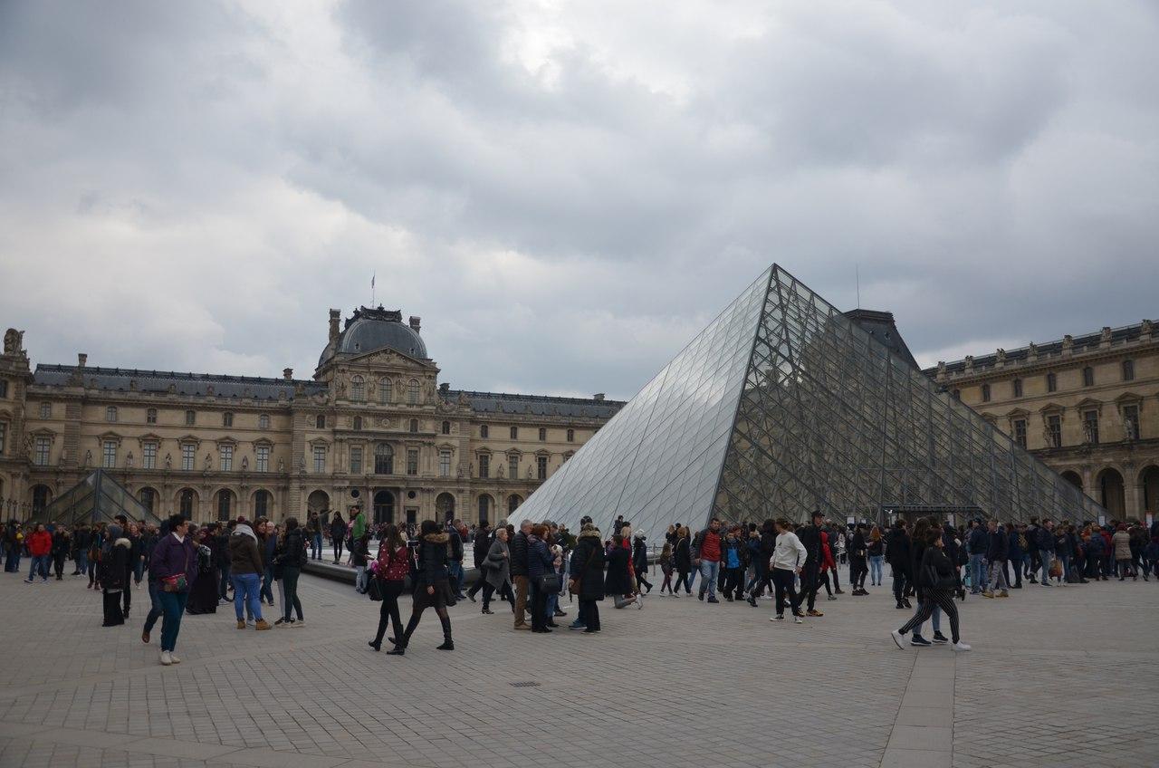 ufuZ77ByAsw Париж достопримечательности за один день