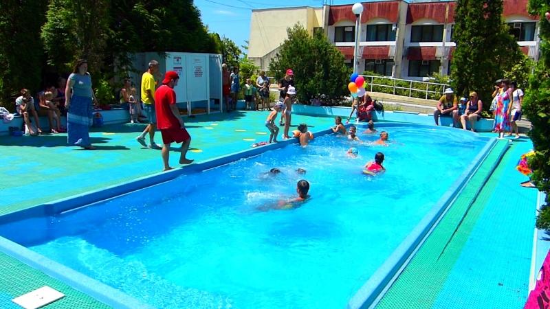 Открытие летнего бассейна в Санатории Магадан города-курорта Сочи