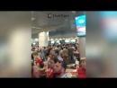 Сотни пассажиров застряли в аэропорту Домодедово