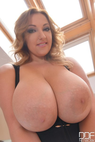 Busty mature mom in xboobtube com