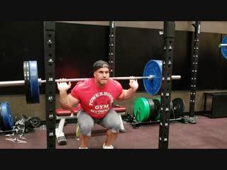Jay Cutler Trains Legs