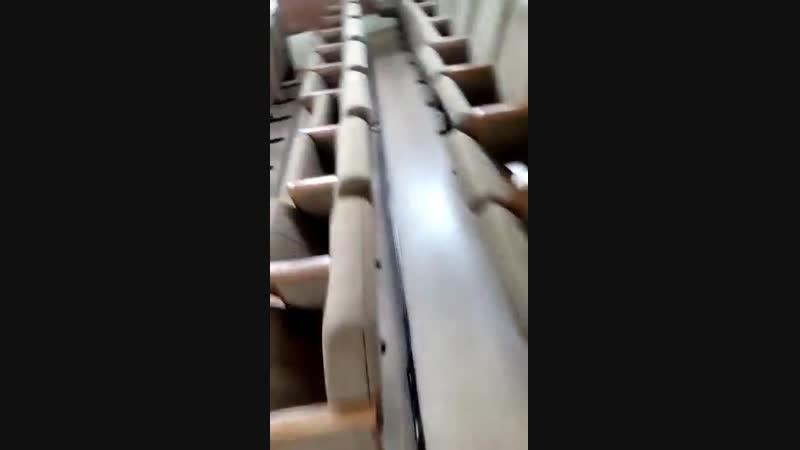 Грязь в актовом зале