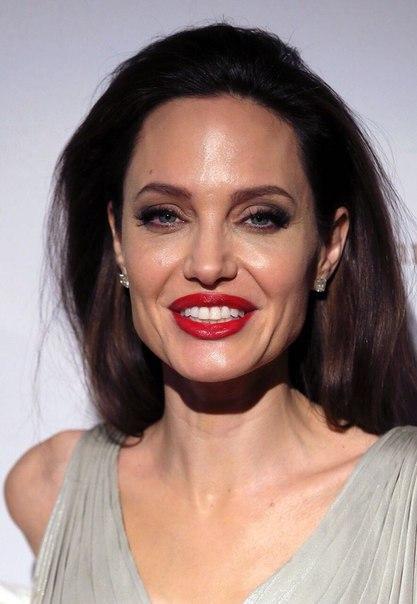 Без ума от любви! Анджелина Джоли снова выходит замуж