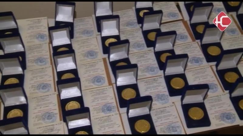Награждение выпускников. Нефтеюганск