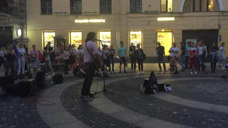 Уличные музыканты (Giovanni Bassano, Италия) - Coldplay - The Scientist (23/07/2018 Дворцовая площадь)