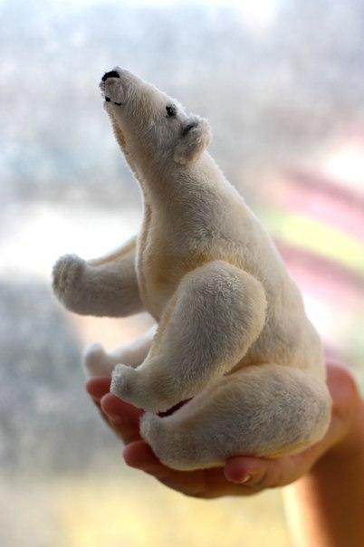 Плюшевый северный мишка. Чуть больше ладошки ребенка… (4 фото) - картинка