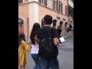 Дэн Лунь в Риме, инцидент на перекрёстке