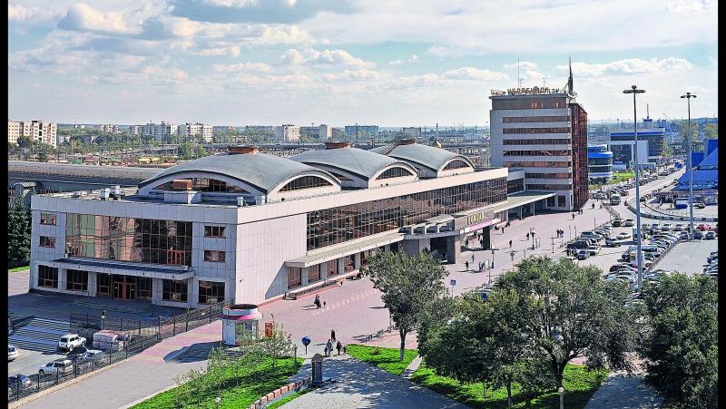 2017-11_Челябинский вокзал_Навстречу пассажиру