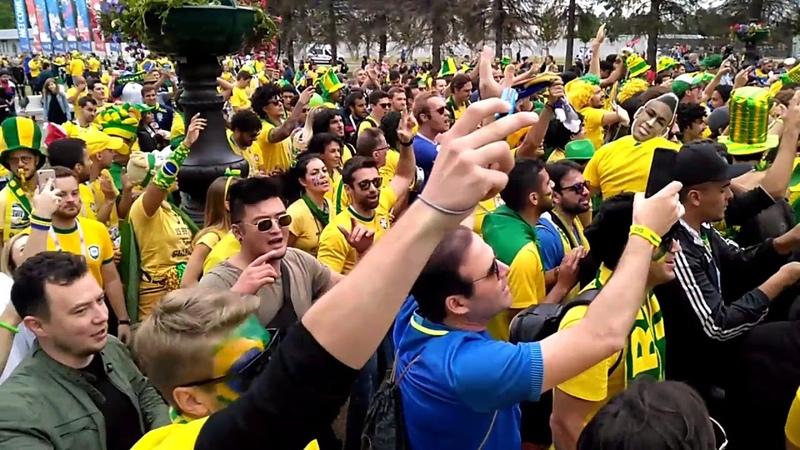 Бразильские фанаты перед матчем Бразилия - Коста-Рика. Санкт-Петербург. 22 июня 2018 г. Зенит-Арена.