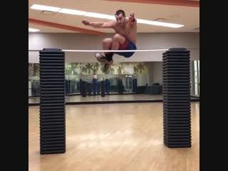 Strength of Body. Прыжок через препятствие 180 см