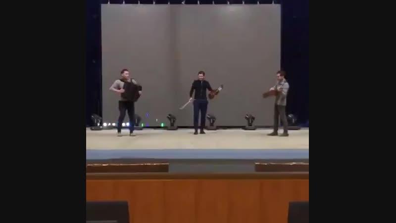 Виртуозы Руслан ,Ринат и Дашгын