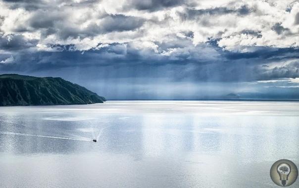 Байкал дышит... Не секрет, что крупнейшее озеро Байкал давно пристально изучается. Но далеко не все результаты интереснейших исследований известны широкому кругу. Что же такого необычного