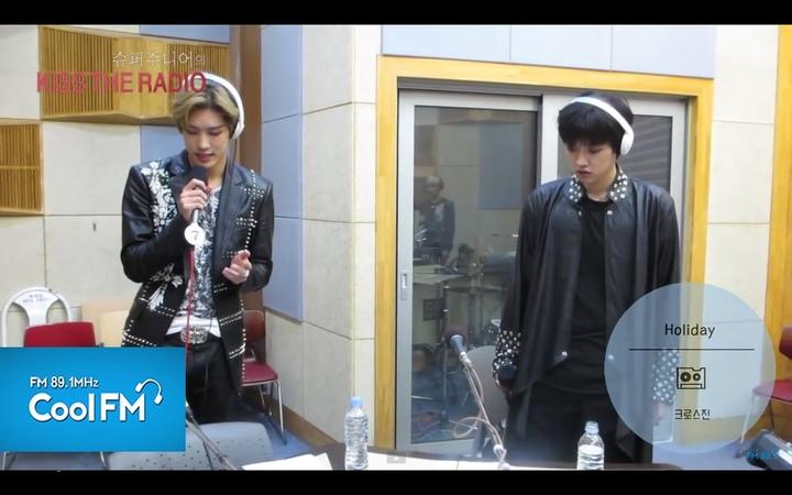 크로스진 Cross Gene 'Holiday' 라이브 LIVE / 150417[슈퍼주니어의 키스 더 라디오]