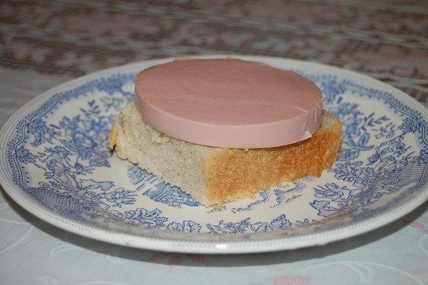 Бутерброд с колбасой всего за 1 минуту
