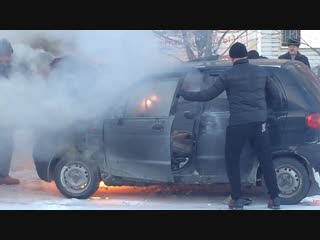 В Туринске из-под капота Daewoo Matiz повалил дым