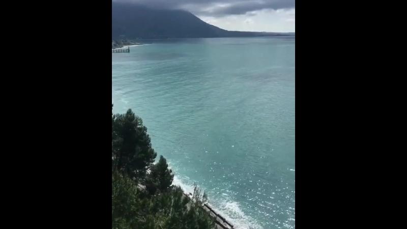 Абхазия. Красивый вид с гор на море