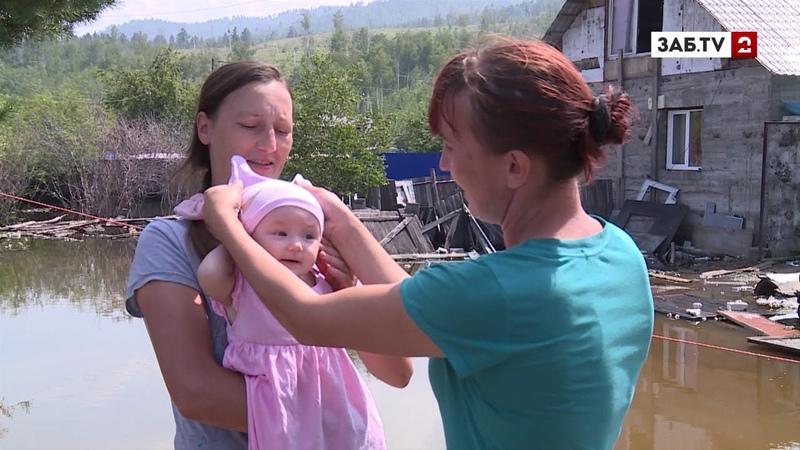 Корреспондент ЗабТВ по пояс в воде прошелся по затопленному кооперативу «Молоковка»