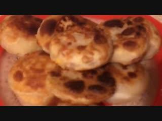 Чебупицца, гибрид чебурека и пиццы