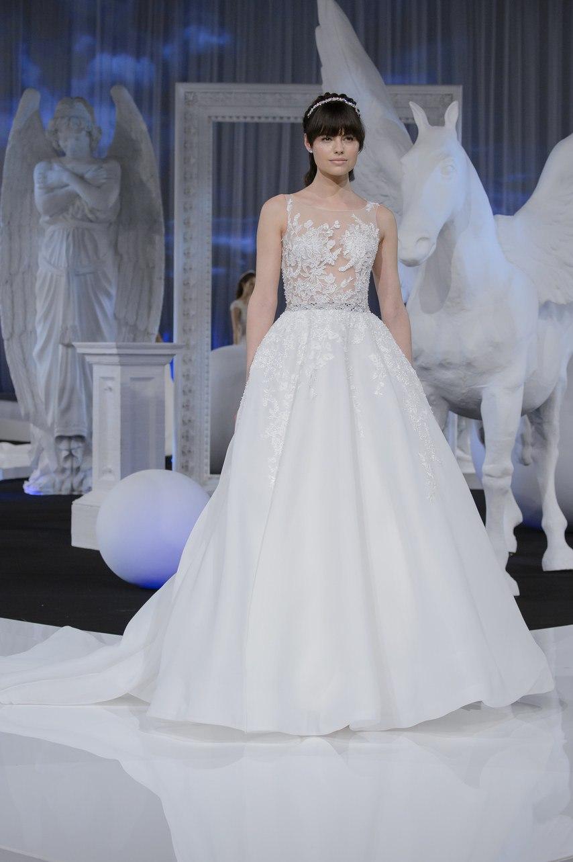 ldx7y6Ne1lE - Коллекция свадебных платьев Nicole