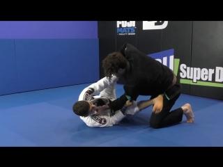 Mikey Musumeci - Long Step Knee Cut Pass Defense
