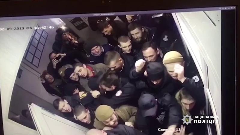 Спроба штурма правопорушниками Подільського РВ поліції м.Києва