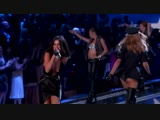 Выступление с песнями Hands To Myself и Me &amp My Girls на модном показе Victoria's Secret в Нью-Йорке (10 ноября 2015)