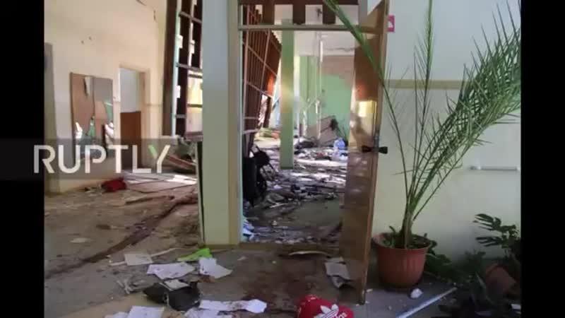 Керченский колледж после вчерашнего теракта. И вы хотите сказать, что всё это за 15-20 минут в одиночку натворил 18-летний субти