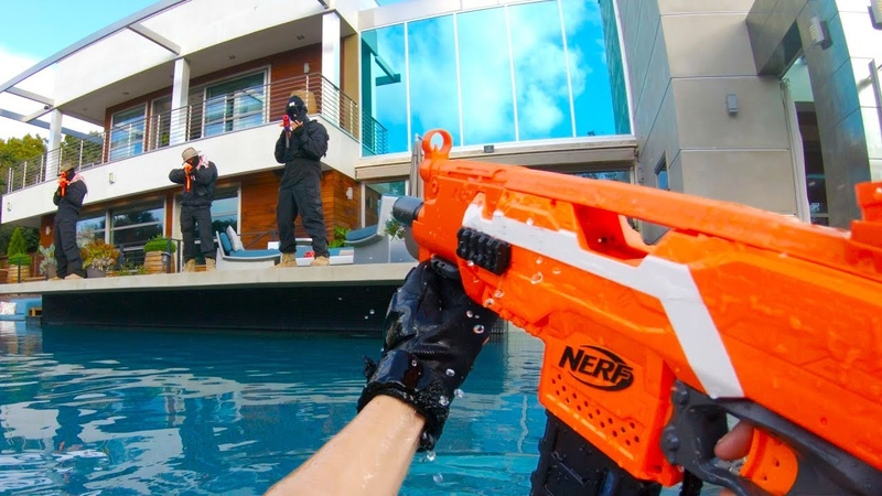 Nerf War Huge MANSION Battle