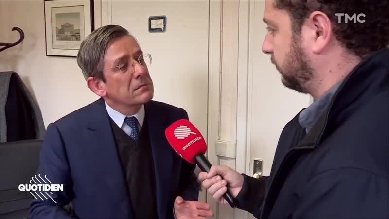 Le député Charles de Courson au bord des larmes dans Quotidien lorsquil évoque son père résistant