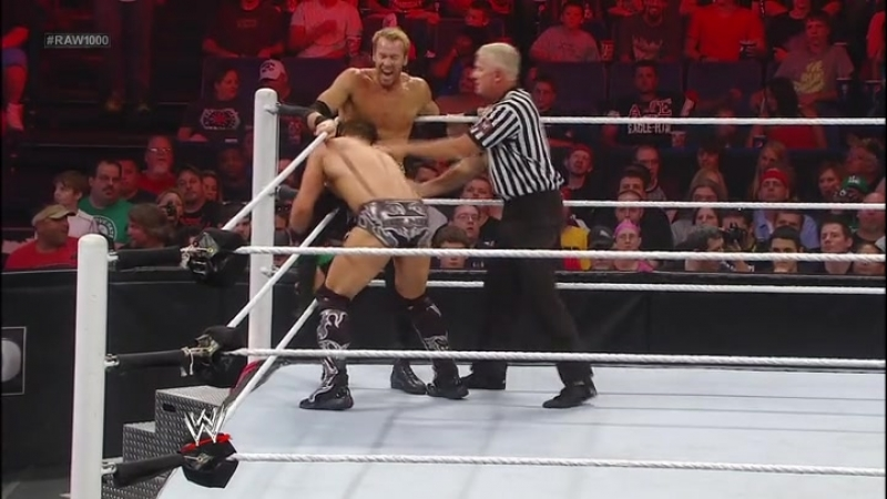 WWE.The.Top.100.Moments.In.Raw.History(3)