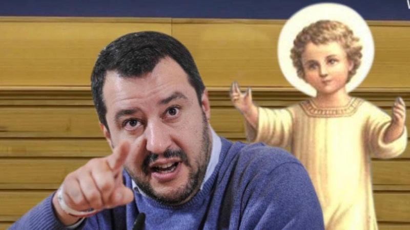 Matteo Salvini, parroco fa il presepe nella spazzatura: Il mio gesto contro Matteo Salvini