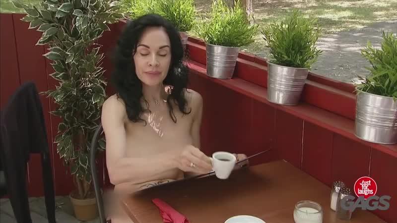 19 Sexy Nudist Restaurant Prank (HD Секси Клип Новые Фильмы Сериалы Кино arthdcinema.it Эротика Секс Девушки Юмор Прикол Розыгры