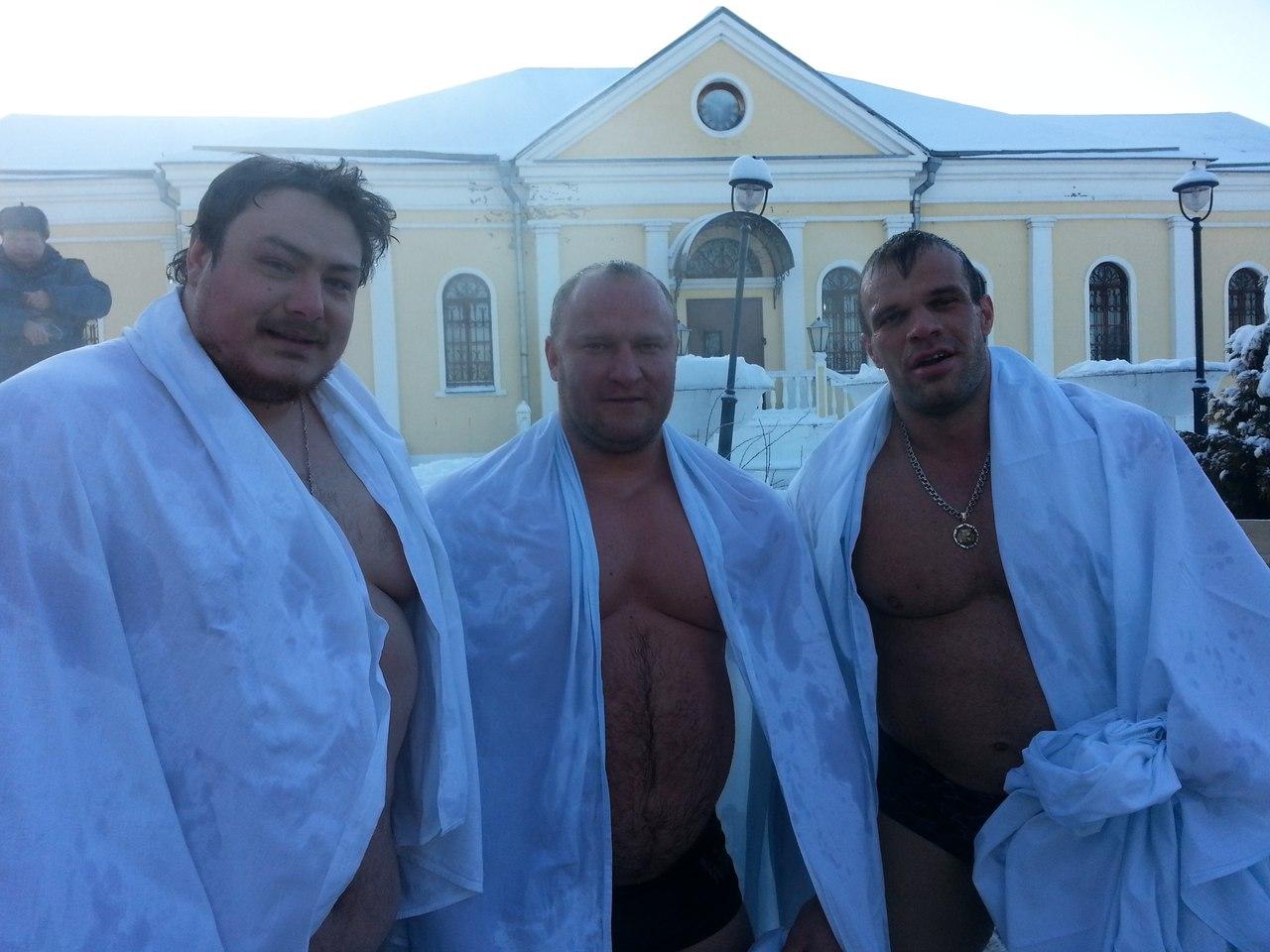 Denis Cyplenkov after winter bath  │ Photo Source: Den Denov