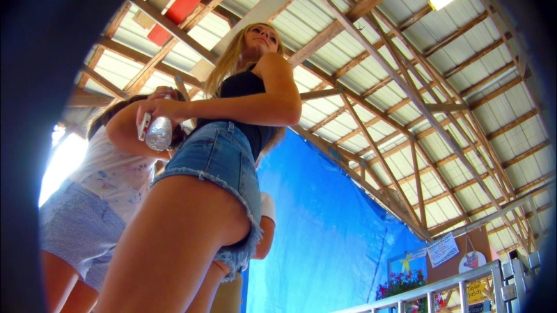 Hot teen in short shorts solid ass showing panties